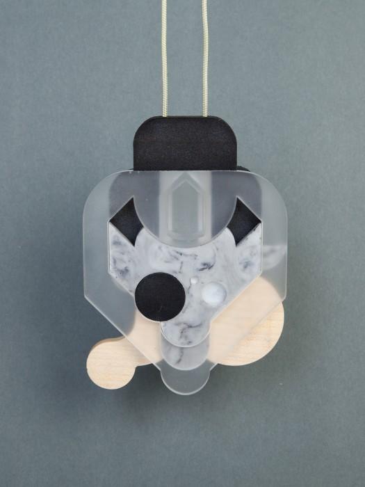 O_4_4 - selasto, plastic, wood(sycamore), nylon