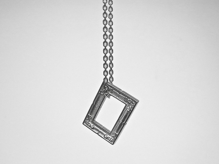 Emptyframenecklace square GIFTED